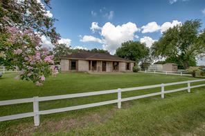 4545 County Road 541, Alvin, TX 77511