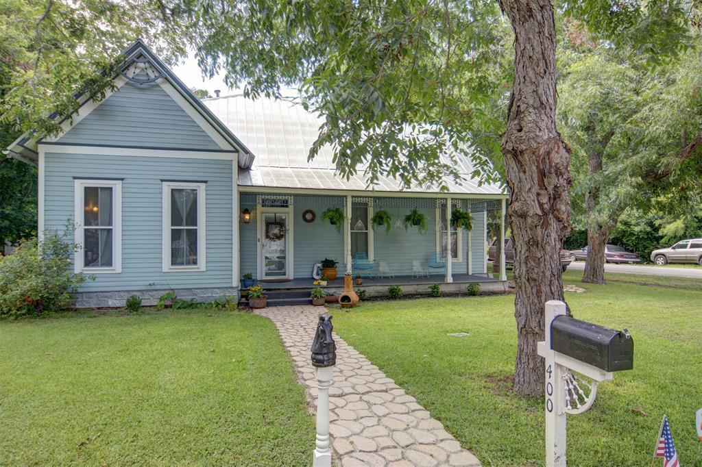 400 Short Street, Smithville, TX 78957