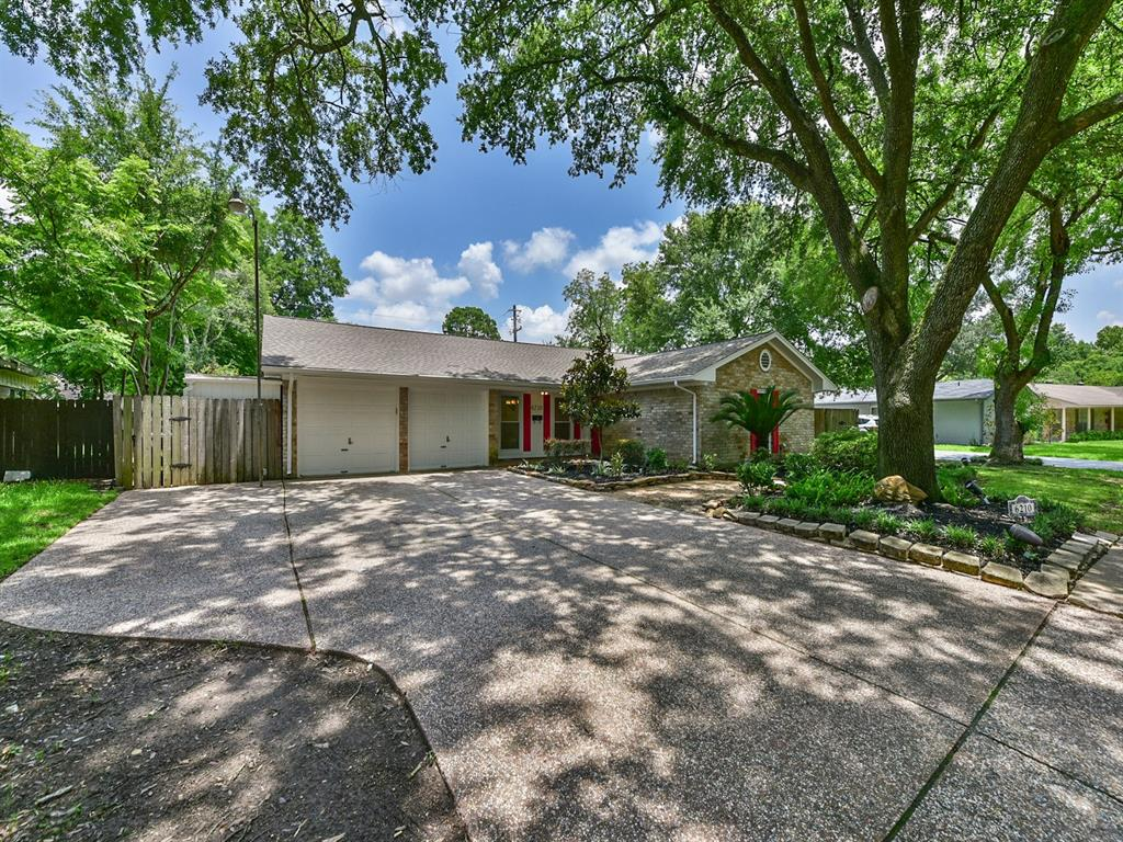 6210 Reamer Street, Houston, TX 77074