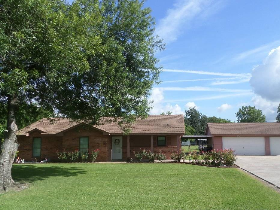 2415 Barbers Hill Road, Highlands, TX 77562