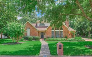 13 Woods Estates Dr, Conroe TX 77304