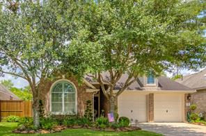 5210 Cottonwood Creek Lane, League City, TX 77573