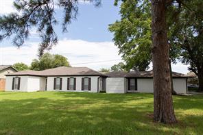 11102 Hazelhurst Drive, Houston, TX 77043