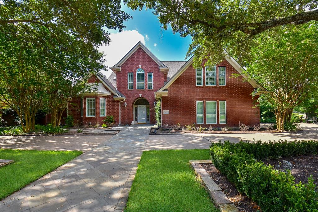 102 Whimbrel Drive, Sugar Land, TX 77478