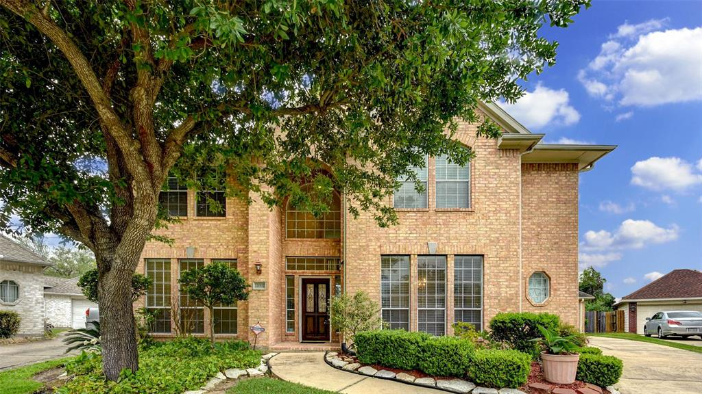 A well maintained home in a great location. Has never flooded and very low property tax! High ceilings give this home plenty of natural light. Spacious master bedroom on the first floor with formal dining and an open kitchen. Easy access to Hwy 59, Hwy 6, Hwy 90 and Beltway 8. Schedule a showing today!