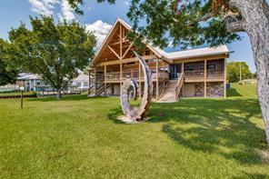 322 Edgewater Drive, Livingston, TX 77351