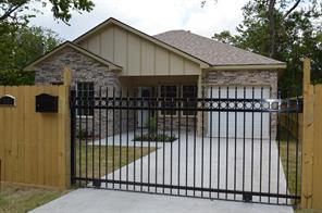 8111 Chateau, Houston TX 77028