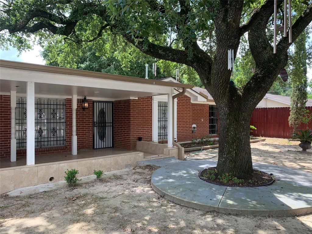 13502 Robertsvale Road, Houston, TX 77037
