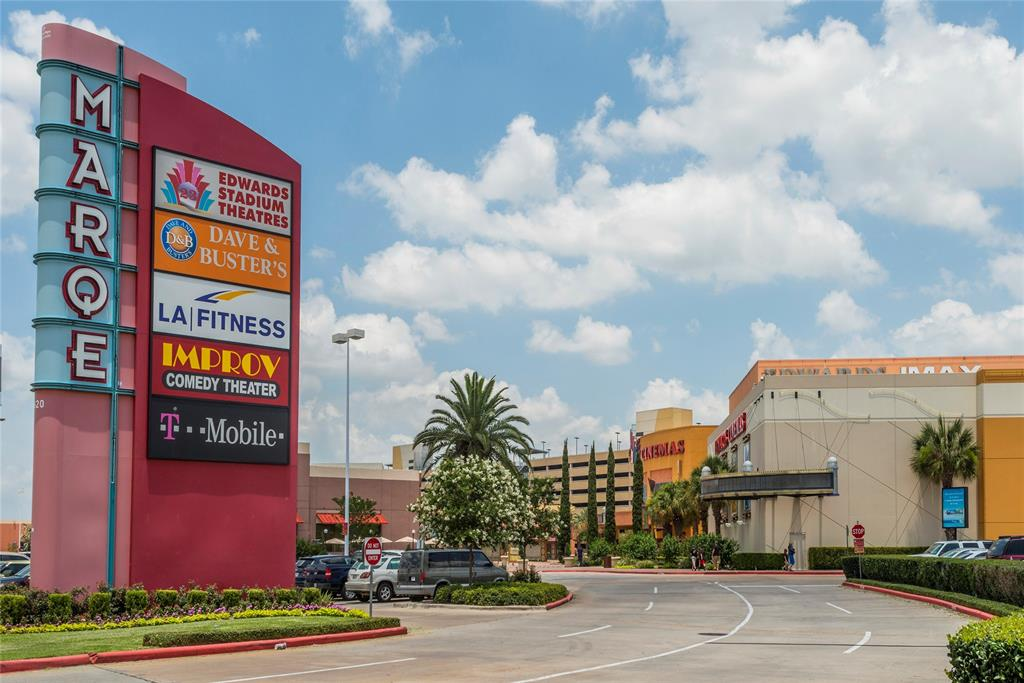 The Marque Entertainment Center is just a couple of minutes away and features LA Fitness and lots of restaurants.