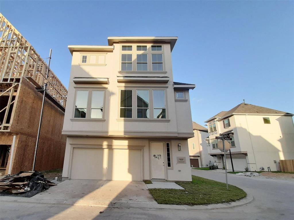 9619 Cambridge Manor Lane, Houston, TX 77045
