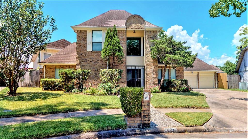 323 Wood Loop Street, Houston, TX 77015