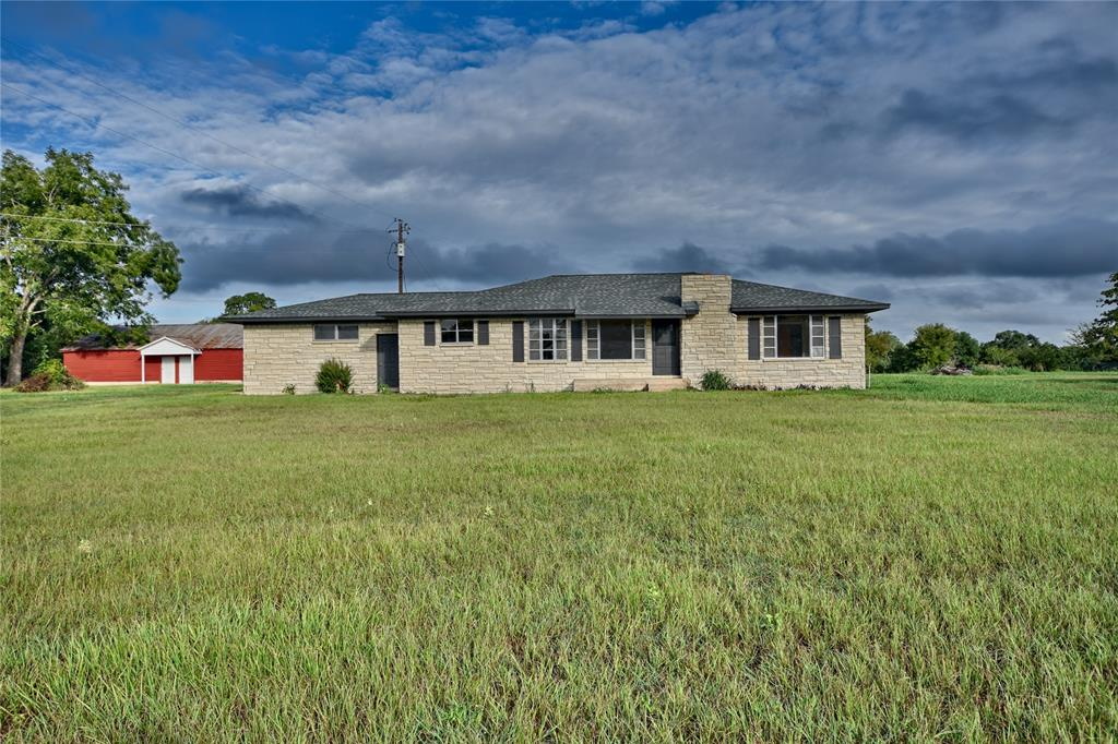 927 E State Highway 237, Fayetteville, TX 78940