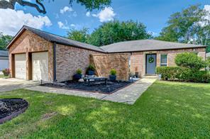 2210 Round Lake, Houston TX 77077