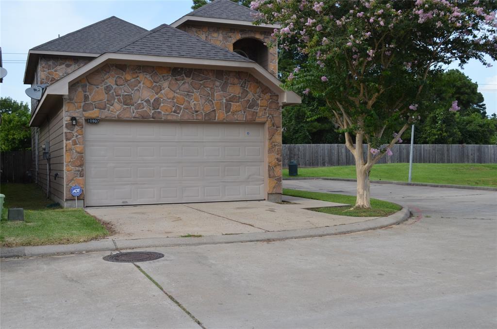 10902 Panther Court, Houston, TX 77099