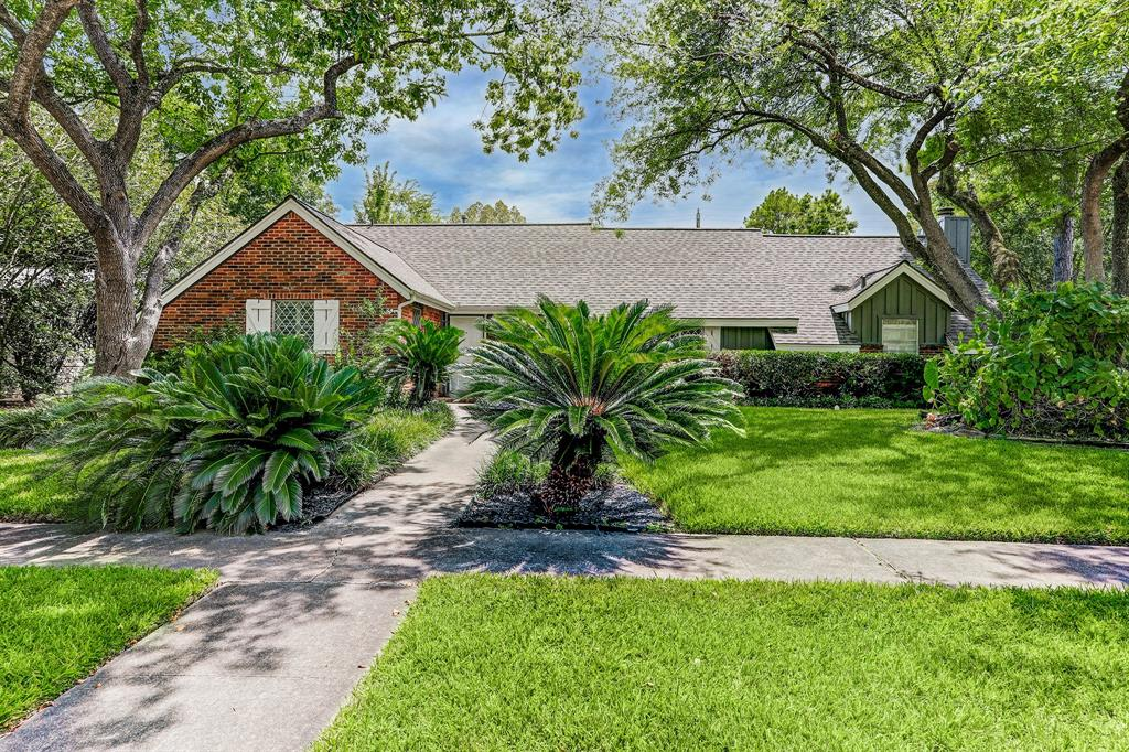 8223 Edgemoor Drive, Houston, TX 77036