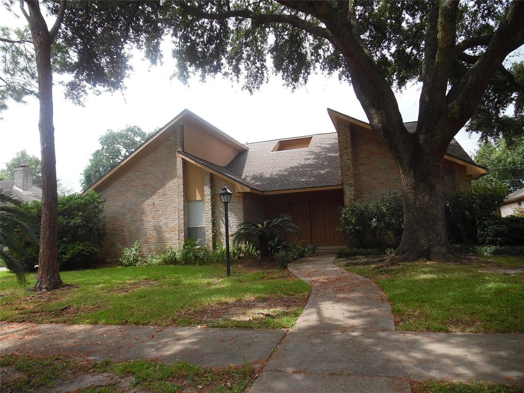 12414 Wrenthorpe Drive, Houston, TX 77031