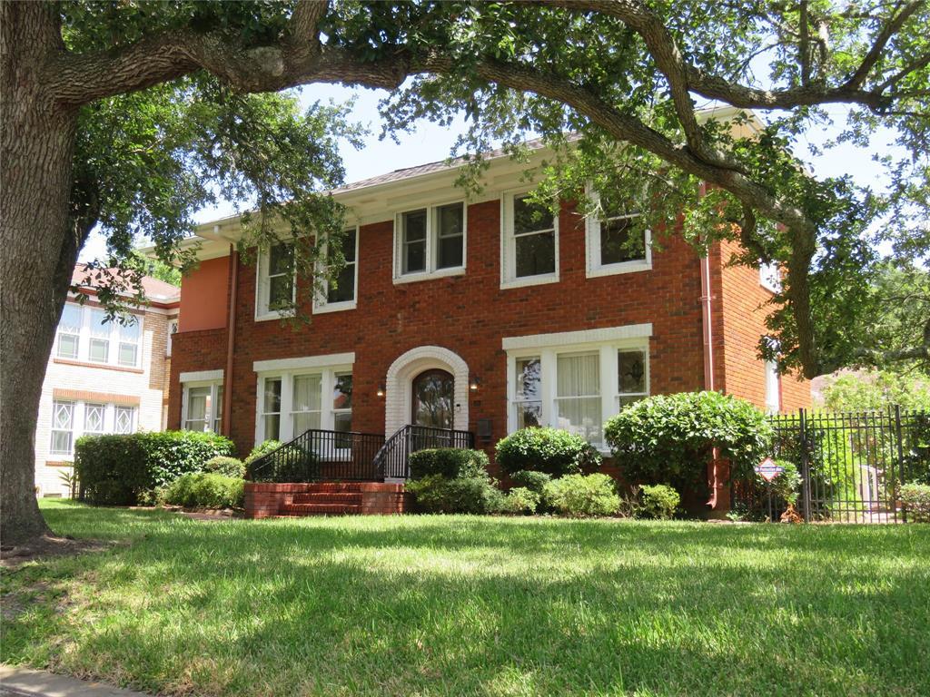 20 Cedar Lawn Circle, Galveston, TX 77551