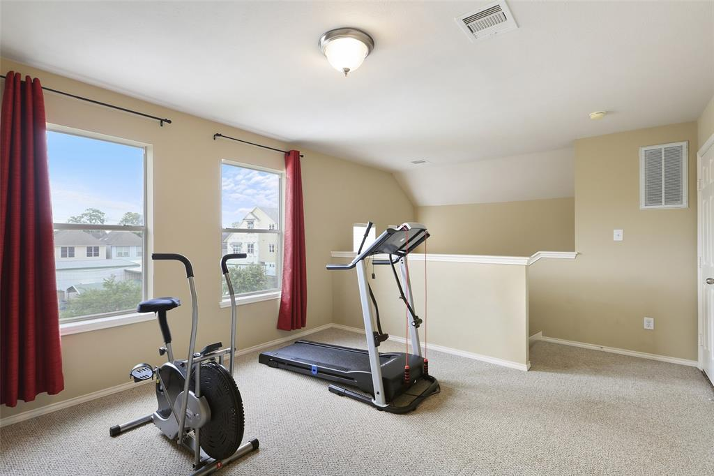 This large 3rd floor bedroom offers great flexibility. It can be used a bedroom, a study, a workout room, a gameroom, or any combination that fits your needs.