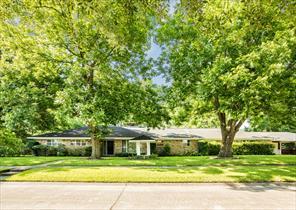 902 mcginty street, alvin, TX 77511