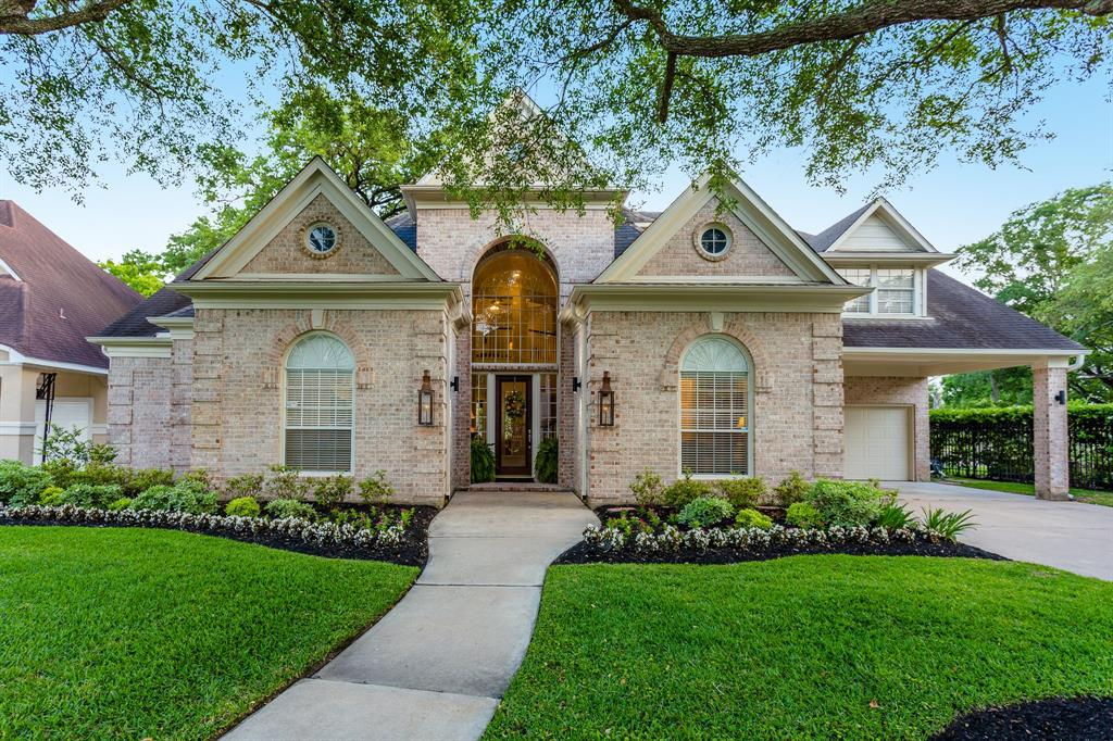 18111 Langsbury Drive, Houston, TX 77084