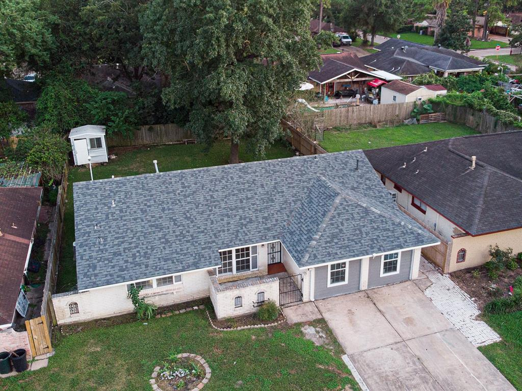 5010 Hollybrook Lane, Houston, TX 77039
