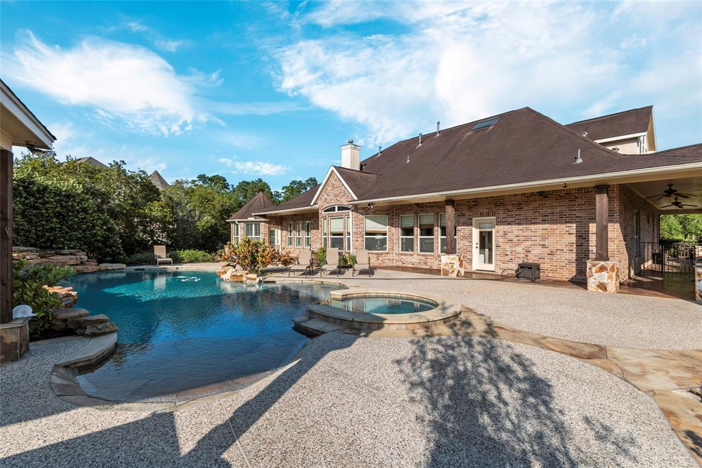 36951 Anglers Way, Pinehurst, TX 77362