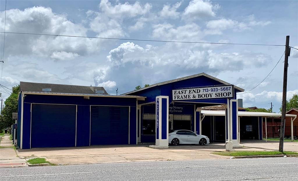 1106 N Wayside Drive, Houston, TX 77011
