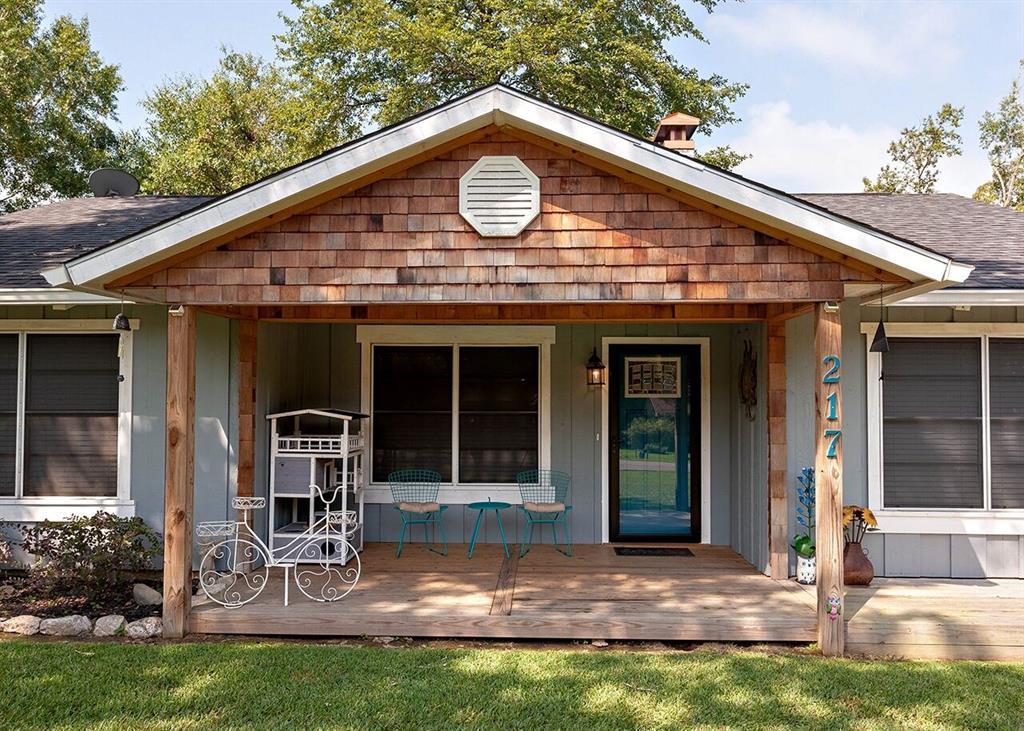 217 Wildwood Drive, Village Mills, TX 77663