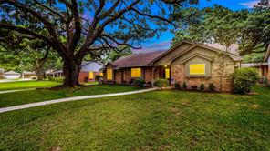 10514 Timberwood Drive, Houston, TX 77043