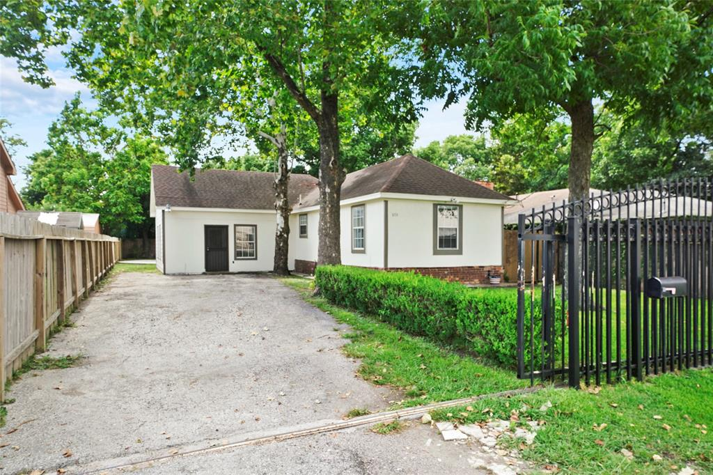 6711 Mano Street, Houston, TX 77076