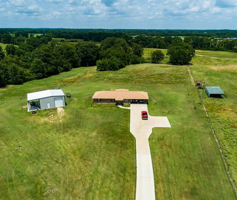 420 County Road 300, Garrison, TX 75946