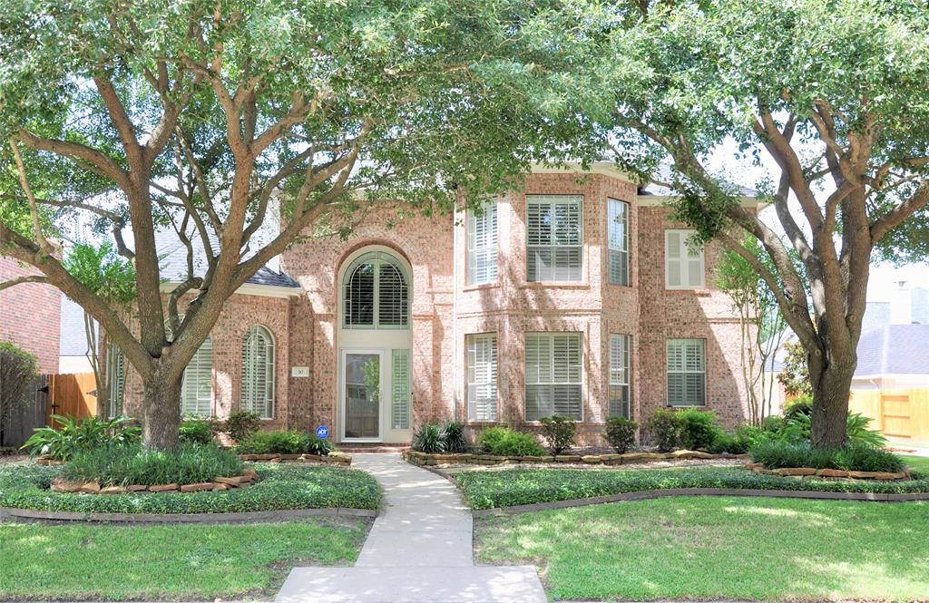 10 Bishops Manor Ln, Houston, TX 77070