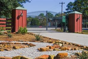 12 hillsborough drive, huntsville, TX 77340