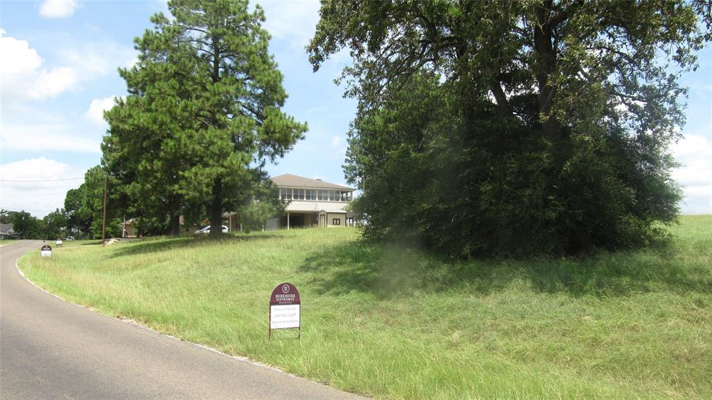 12 Fairway Drive Drive, Hilltop Lakes, TX 77871