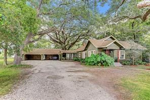 1037 County Road 44, Angleton, TX 77515