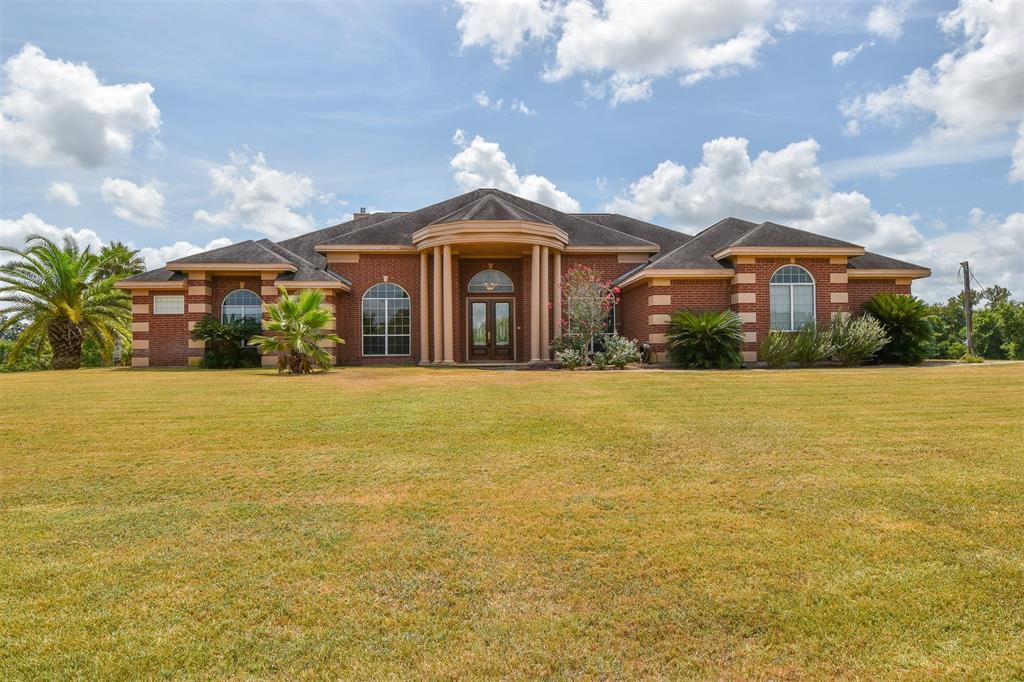 836 Buenger Rd, Bellville, TX 78944