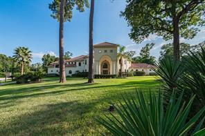7 Kings Lake Estates Boulevard, Humble, TX 77346