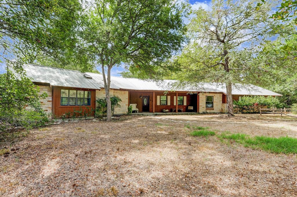 1613 Guenther Road, La Grange, TX 78945