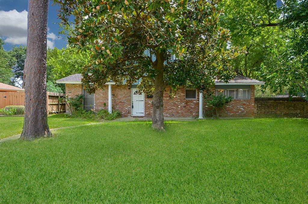 2111 Possum Creek Road, Houston, TX 77017