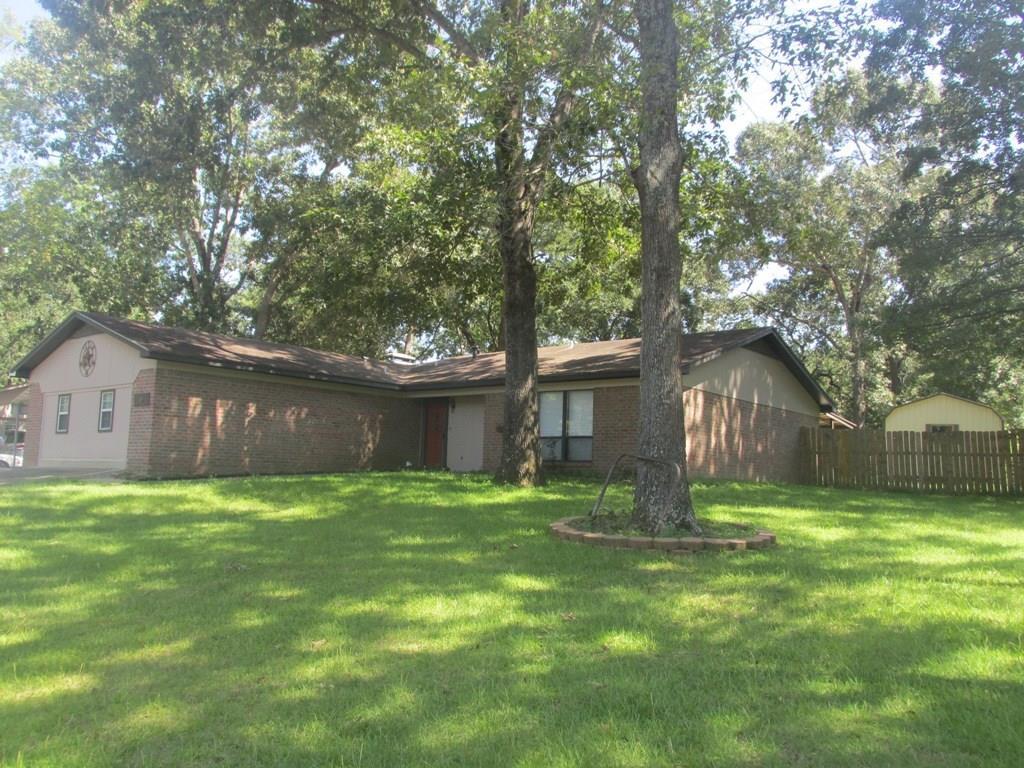 404 Brookview Lane, Palestine, TX 75803