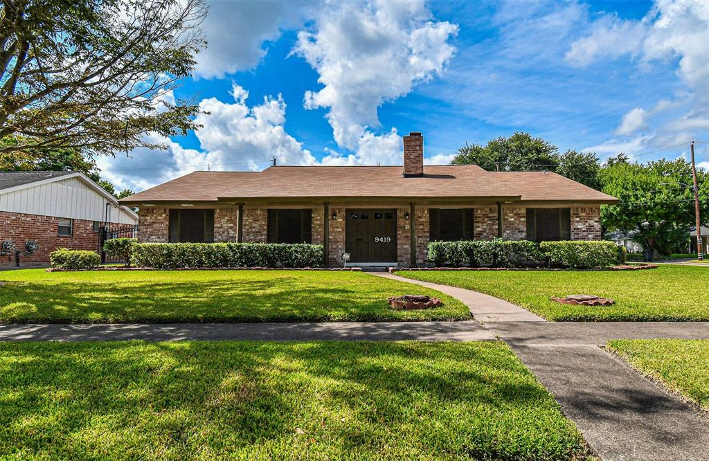 9419 Roos Road, Houston, TX 77036