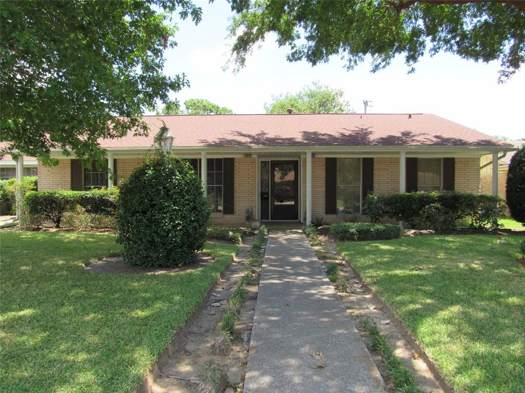 1907 Raintree Street, Baytown, TX 77520