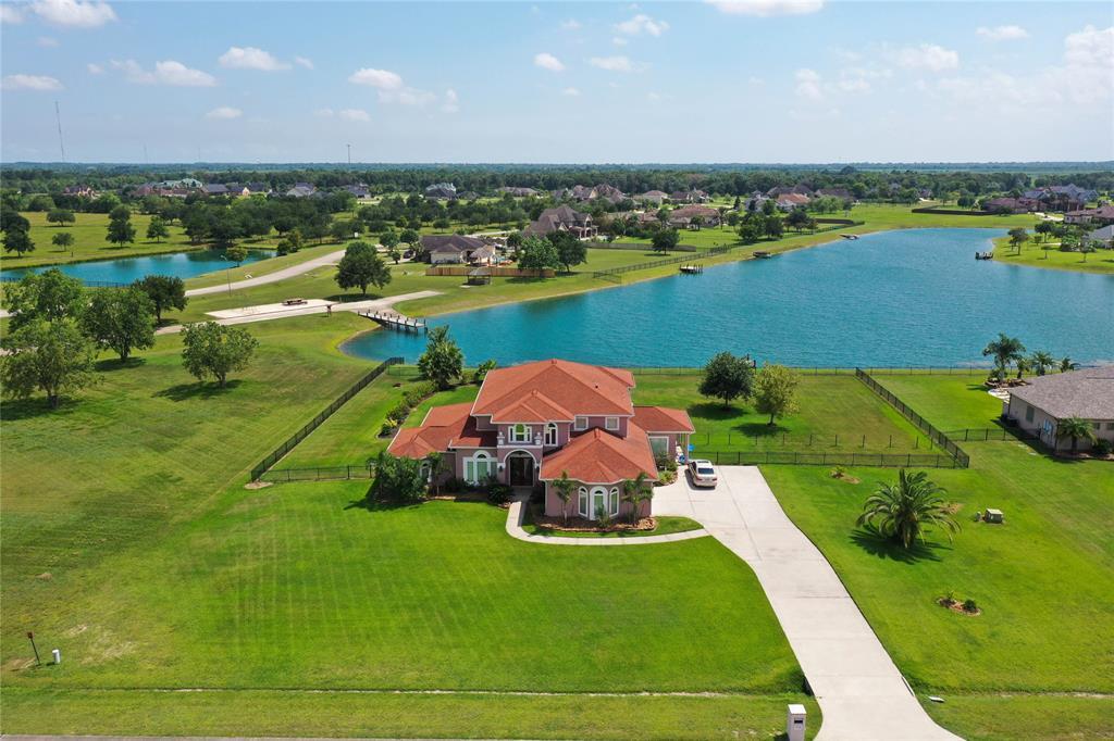 7034 Oak View Drive, Dickinson, TX 77539