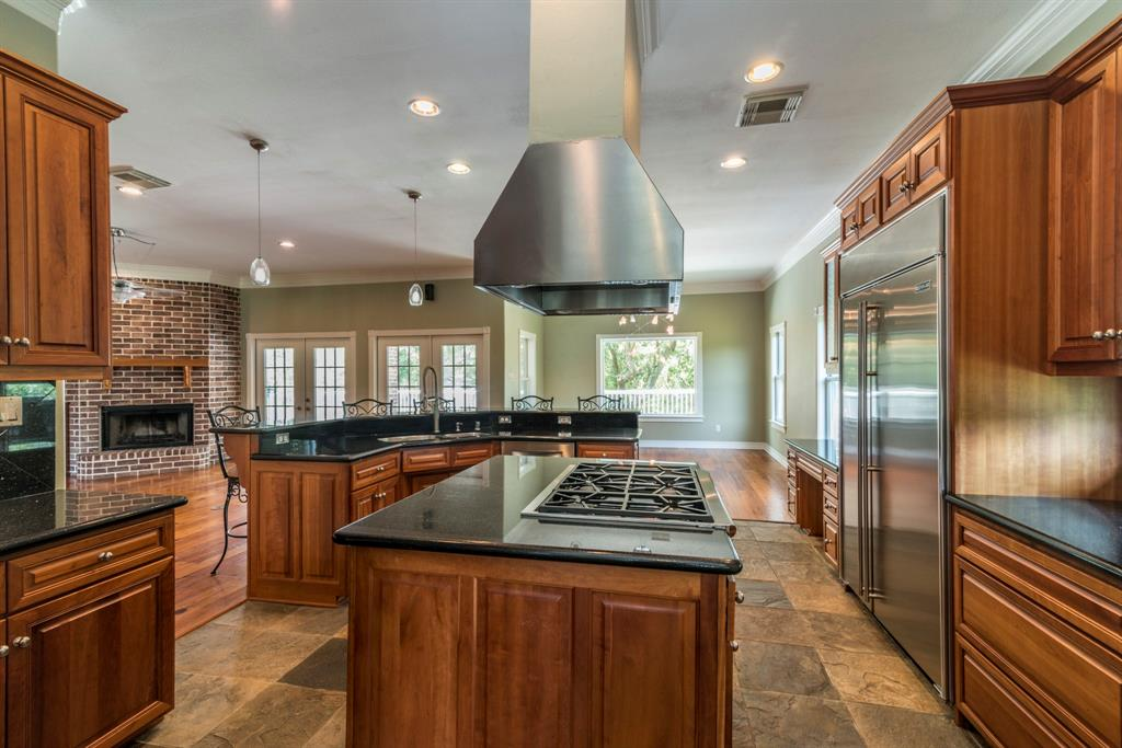 2711 Todville Road, Seabrook, TX 77586