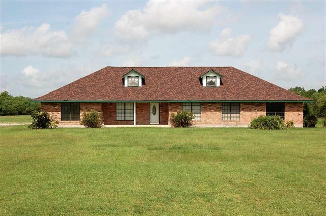 2304 Hayes Road, Stowell, TX 77665