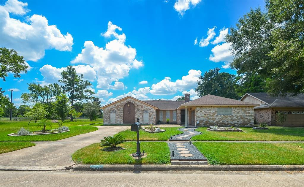 5415 Arncliffe Drive, Houston, TX 77088