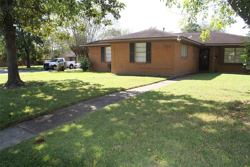 204 Hummingbird Court, Pasadena, TX 77502