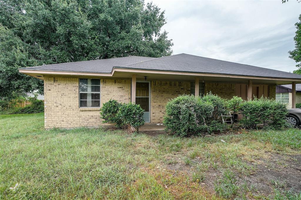 134 Pine Meadows Drive, Prairie View, TX 77446