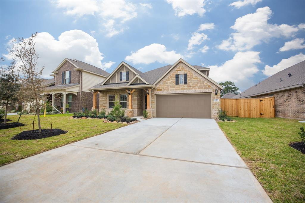 2373 Old Stone Drive, Conroe, TX 77304
