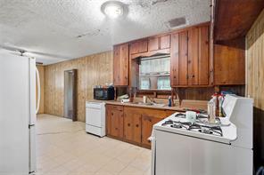 3015 George Street, Bacliff, TX 77518